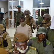 Mali : les militaires comptent rester 3 ans au pouvoir et libérer le président Keïta