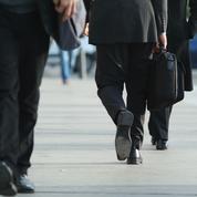 Le chômage baisse encore en juillet mais reste à un niveau élevé