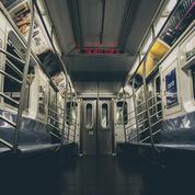 Déserté, le métro new-yorkais menace de réduire ses services