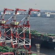 Les garde-côtes japonais à la recherche d'un cargo