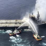 L'incendie sur un pétrolier dans l'océan Indien a été maîtrisé