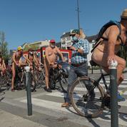 Rennes : des naturistes à vélo pour défendre les cyclistes et la planète