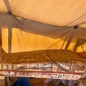 Quatorze nouveaux sarcophages égyptiens de 2500 ans découverts à Saqqara