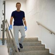 Navalny dit que du Novitchok a été trouvé «dans et sur» son corps