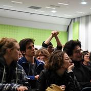 Cadres : comment l'Apec va aider les jeunes diplômés à trouver un emploi