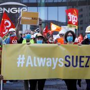 Rapprochement Suez-Veolia : environ 10.000 emplois menacés dans le monde, affirme Suez