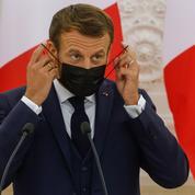 Attaque à Paris : «le président n'a pas vocation à commenter mais à agir», se défend Macron