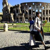 Un touriste irlandais arrêté après avoir vandalisé le Colisée à Rome
