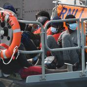 Douze arrestations pour trafic de migrants à travers la Manche