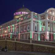 Au cœur de la forêt amazonienne l'Opéra de Manaus retrouve musique et public