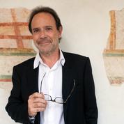 «Une position d'enfant gâté» : Marc Lévy sermonne Nicolas Bedos après ses propos sur le port du masque