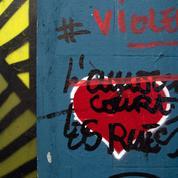 Accusé de multiples viols, le tagueur de «L'amour court les rues» mis en examen et écroué