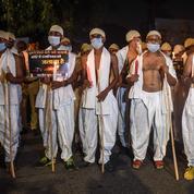 Viol collectif meurtrier en Inde: cinq policiers suspendus