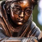 Une statue en bronze d'Harry Potter érigée à Londres