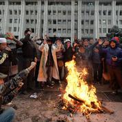 Kirghizistan: le président dit être en «contrôle» du pays