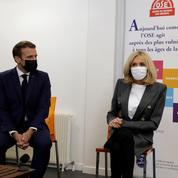 «Aider les aidants»: Macron à la rencontre des aidants familiaux