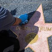 Hollywood : l'étoile de Donald Trump vandalisée par un homme déguisé en Hulk