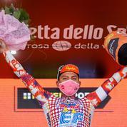Tour d'Italie: le maillot du scandale qui rend cool le cyclisme