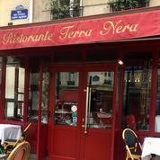 «Emily in Paris» : un restaurant parisien à l'honneur dans la série Netflix