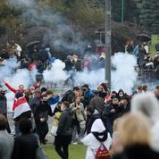 Biélorussie : arrestations et répression brutale d'une grande manifestation à Minsk