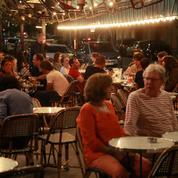 «On va trinquer, c'est le cas de le dire»: face à un éventuel couvre-feu, les restaurateurs lassés