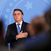 Brésil : Bolsonaro accusé de «propagande» lors d'un match de foot