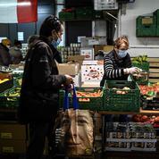 Aux Restos du cœur de Paris, la misère post-Covid se combat à la chaîne