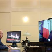 Macron demande à Poutine un «renforcement» de la coopération antiterroriste