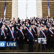 Professeur assassiné : les députés observent une minute de silence devant le Palais Bourbon