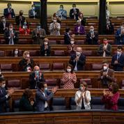 Espagne : le parlement rejette une motion de censure de l'extrême droite