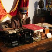 Rouge à lèvres-tueur, décodeur Enigma... le musée new-yorkais du KGB aux enchères