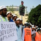 Bangladesh : des dizaines de milliers de personnes manifestent contre la France à Dacca