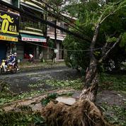 Le typhon Molave fait deux morts en frappant le Vietnam