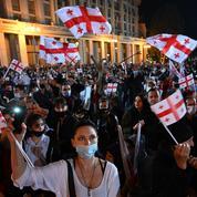 Géorgie : l'opposition manifeste en masse avant les élections