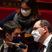 Retour du couvre-feu à Paris : Castex regrette une «maladresse», Attal fait son mea culpa