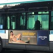 Choqués par la bague de Borat à l'effigie d'Allah, des chauffeurs exigent le retrait de l'affiche de leurs bus