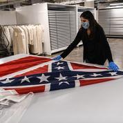 Le Mississippi retire officiellement le symbole confédéré de son drapeau