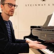 Dans le sillage d'Alexandre Tharaud, le pianiste virtuose et voyageur