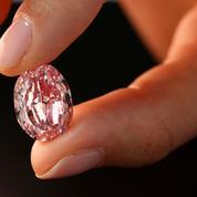Un exceptionnel diamant rose russe aux enchères à Genève