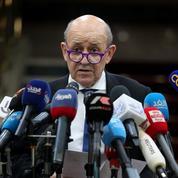 Caricatures : la France possède un «profond respect de l'islam» rappelle Jean-Yves Le Drian