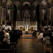 Deux rassemblements de catholiques à Versailles et Nantes pour réclamer des messes