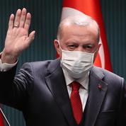 Turquie: Erdogan nomme un nouveau ministre des Finances après la démission de son gendre