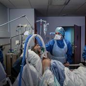 Covid-19 : les festivités de Noël devraient être annulées, préconise le directeur médical de crise de l'hôpital privé d'Antony