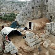 Les ruines d'un temple romain, dernier refuge dans une Syrie en guerre