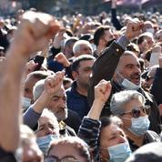 Arménie : 10 opposants arrêtés après des émeutes dues à l'accord sur le Nagorny Karabakh