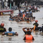 Le bilan du typhon aux Philippines s'alourdit à 27 morts