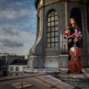 La violoncelliste Camille Thomas réveille les musées confinés