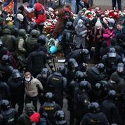 Biélorussie : plus de 700 personnes détenues après la manifestation de l'opposition
