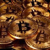 Le bitcoin dépasse 17.500 dollars, se rapprochant de son plus haut historique