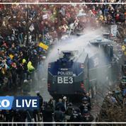 Berlin : la police disperse au canon à eau une manifestation d'«anti-masques»